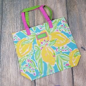 New LILLY PULITZER for ESTEE LAUDER floral bag